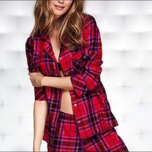 🎄Victoria's Secret Red Plaid Pajama Top Med